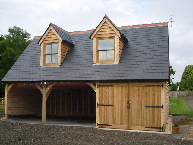 3 Reasons You Should Go for Oak Garages