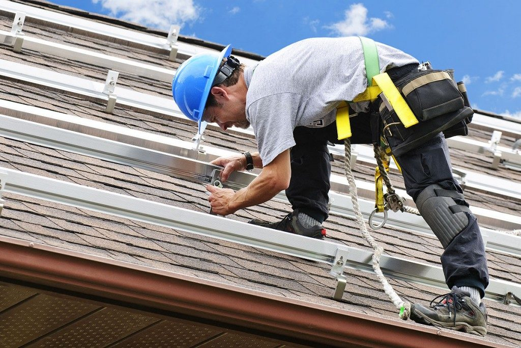 hiring a Roofing Company